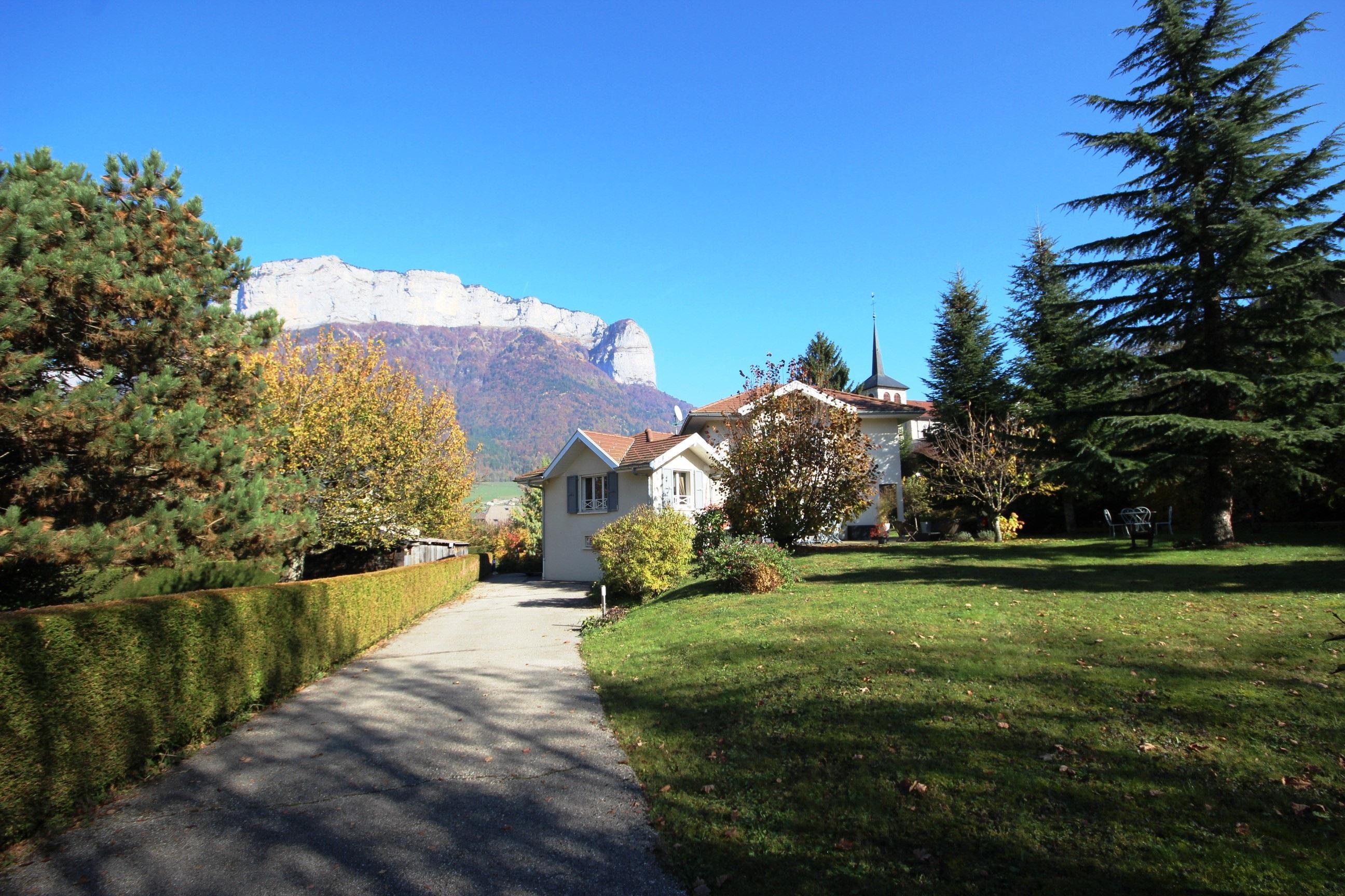 Maison 5 pi ces avec vue sur les montagnessweet property agence immobili re veyrier du lac - Maison avec vue lac lands end ...