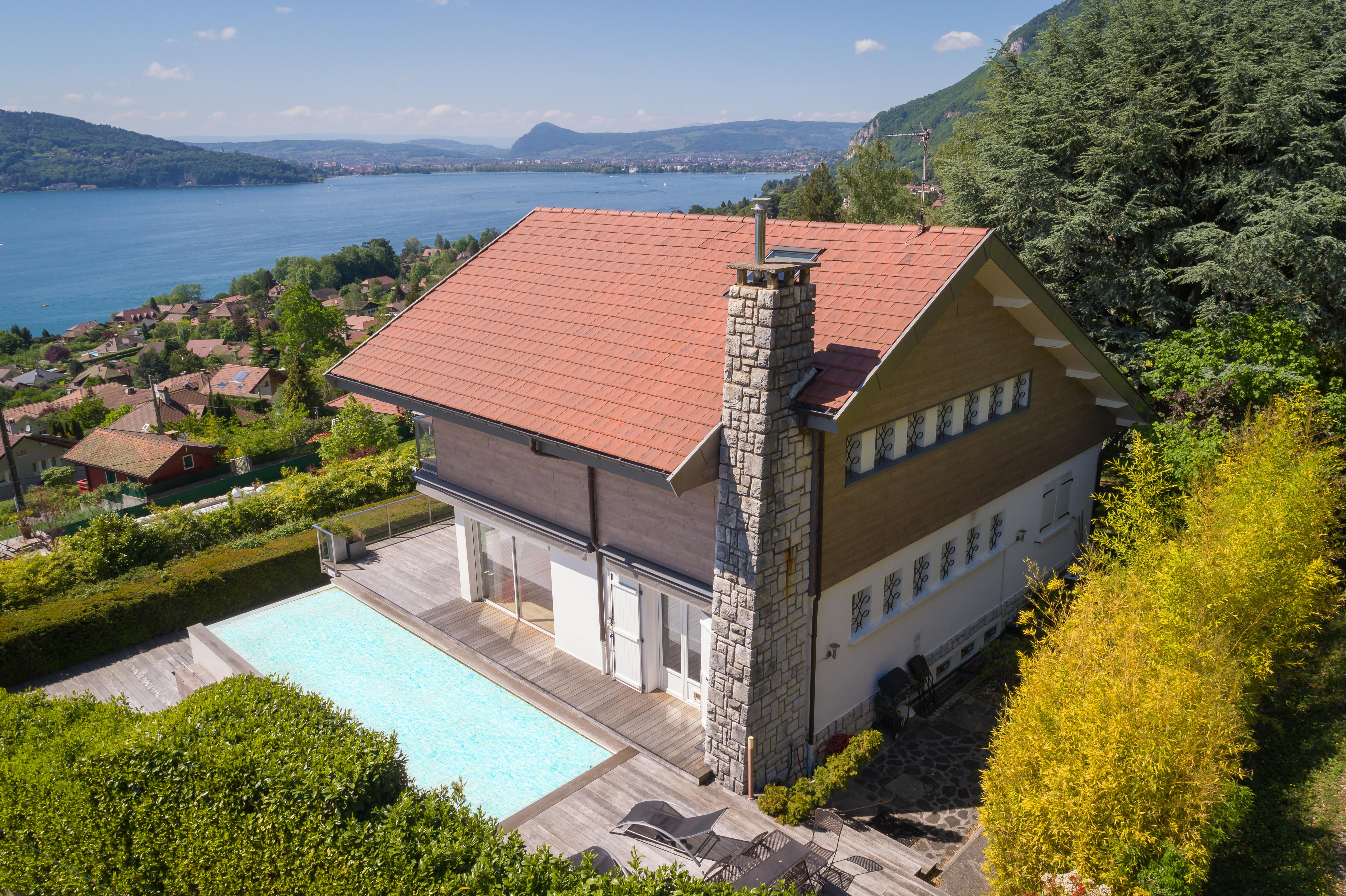 Maison 6 pi ces avec vue panoramique sur le lac et piscine chauff esweet property agence - Maison avec vue lac lands end ...