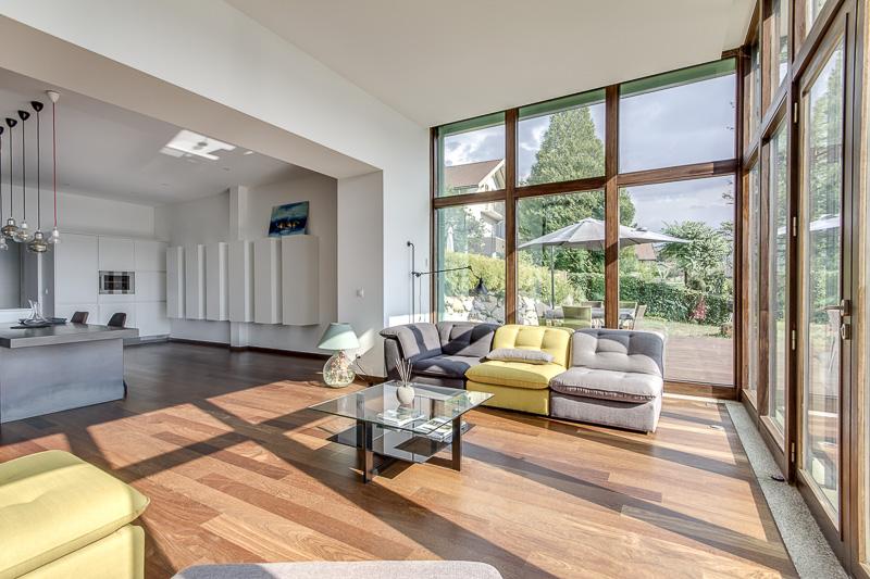Magnifique appartement 4 pi ces type loft avec piscine for Loft agence immobiliere