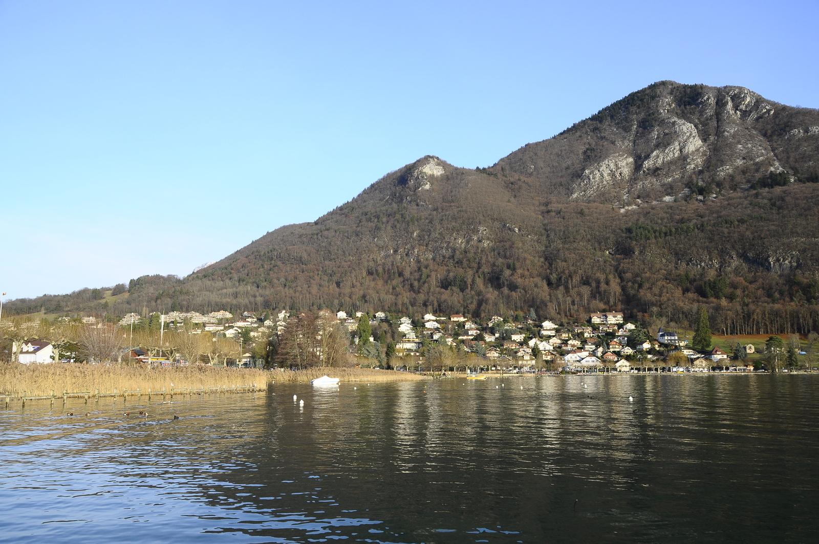 Annecy Le Vieux - Secteur Petit Port. Propriété D'exception Avec Piscine